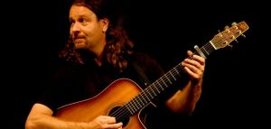 Joergen Lang mit Gitarre